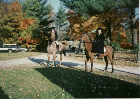 The winning team that same year, whipper in Dana Diemer and Hunt Secretary Gail DiScipio.